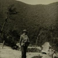 https://repository.erc.monash.edu/files/upload/Asian-Collections/Sihanouk/Images/NS21-05.jpg