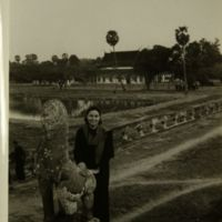 https://repository.erc.monash.edu/files/upload/Asian-Collections/Sihanouk/Images/NS21-66.jpg