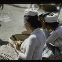 https://repository.erc.monash.edu/files/upload/Asian-Collections/Myra-Roper/indonesia-03-180.jpg