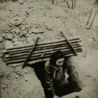 https://repository.erc.monash.edu/files/upload/Asian-Collections/Sihanouk/Images/NS21-08.jpg
