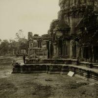https://repository.erc.monash.edu/files/upload/Asian-Collections/Sihanouk/Images/NS21-65.jpg